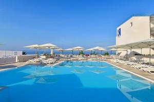 2. Romana Pool