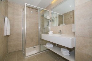 6. Romana Bathroom